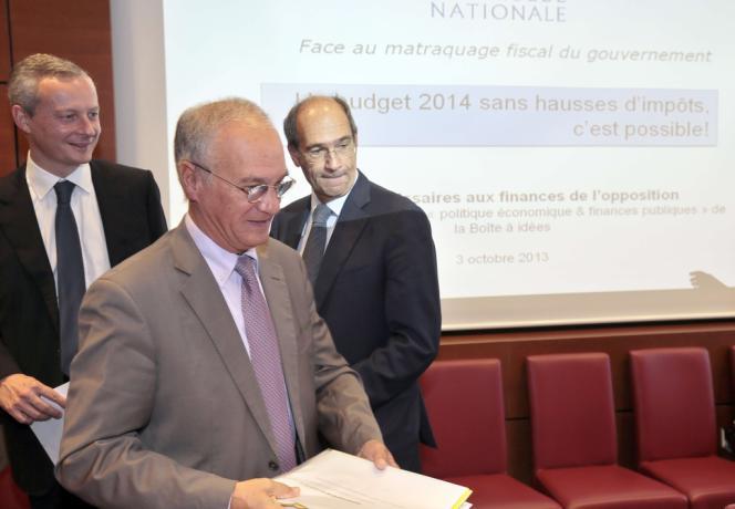 Gilles Carrez, président UMP de la commission des finances (au premier plan), et les députés Bruno Le Maire et Eric Woerth, lors de la présentation du