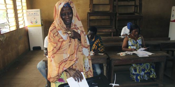 Initialement prévues il y a deux ans, dans la foulée de l'élection de l'opposant historique Alpha Condé à la présidence, les élections législatives du 28 septembre étaient les premières organisées en Guinée depuis l'indépendance, en 1958.