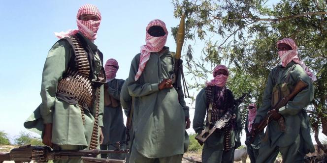 Des combattant chabab à l'entraînement, à proximité de Mogadiscio, en novembre 2008.