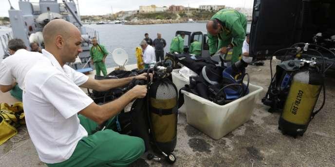 Les secours ont repris, dimanche 6 octobre, leurs opérations de recherche des corps des centaines de migrants morts dans un naufrage au large des côtes de Lampedusa.