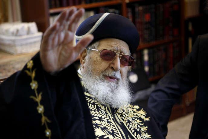 La mort du rabbin Ovadia Yossef a provoqué une onde de choc en Israël. Tous les médias ont interrompu leurs programmes pour relater l'événement. L'enterrement doit avoir lieu en fin de journée à Jérusalem – ici en décembre 2011 à Jérusalem.