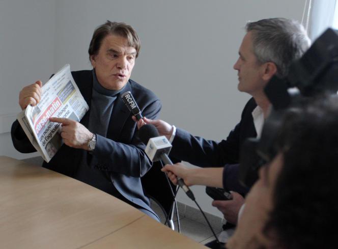 Bernard Tapie, à l'imprimerie du groupe