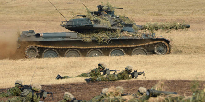 Entraînement des soldats des forces d'autodéfense terrestres japonaises, près de Tokyo, le 13 janvoer 2013.