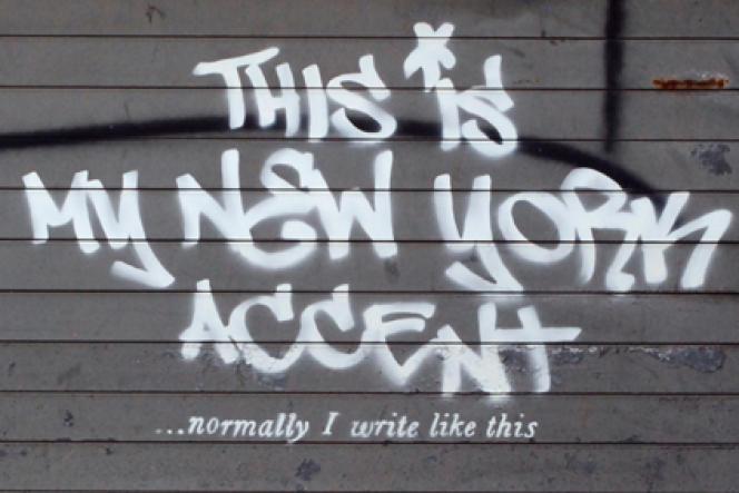 Tag réalisé par Banksy le 2 octobre 2013 à Manhattan (New York).