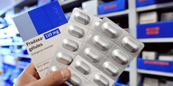 Boîtes de l'anticoagulant de nouvelle génération Pradaxa.