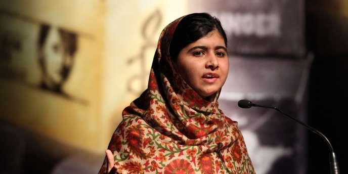 Malala Yousafzaï, le 17 septembre 2013 à Dublin, recevant le prix de l'Ambassadeur de la conscience 2013 d'Amnesty International.