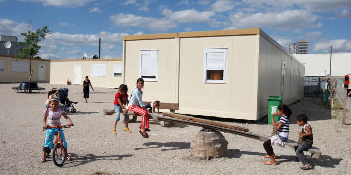 Un village d'insertion pour des familles roms à Aubervilliers, en 2008.