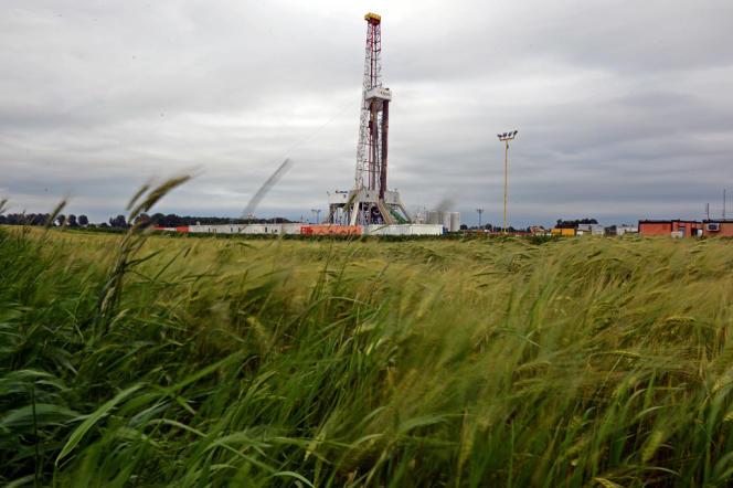 Un puits d'extraction de gaz de schiste en Pologne, exploité par la société Chevron.