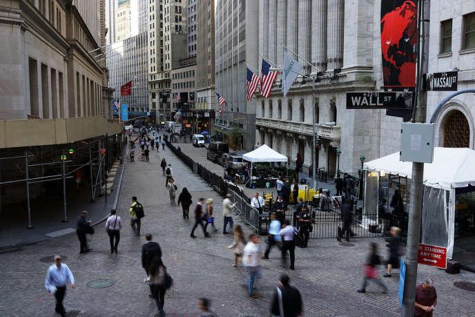 Les variations de l'indice Dow Jones, pourtant à son plus haut historique, ne sont plus ce qu'elles étaient : elles n'ont dépassé les 2 % plus qu'une seule fois cette année, contre dix fois en 2010 et 33 fois en 2009 (à Wall Street, le 1er octobre 2013).