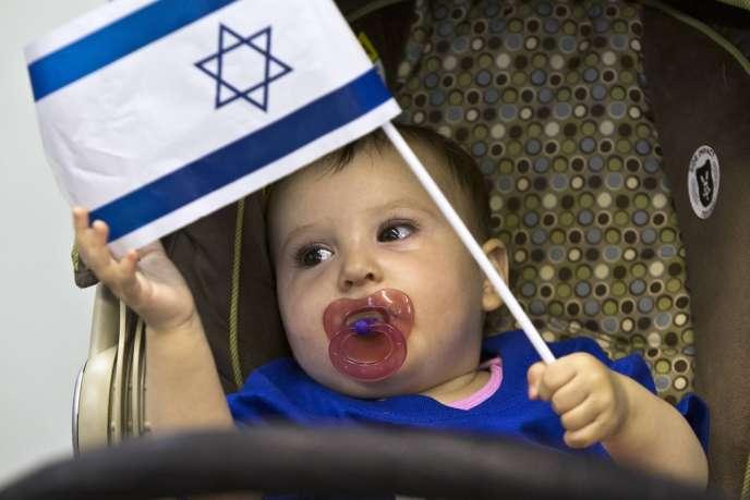 L'écrivain israélien a signé en septembre deux articles dans le quotidien