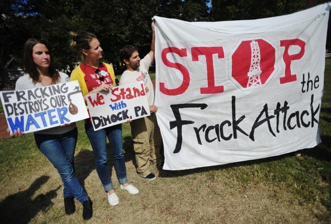 Manifestation d'opposants, le 25 septembre, près de la Maison Blanche à Washington, à la technique de fracturation hydraulique pour extraire le gaz de schiste.