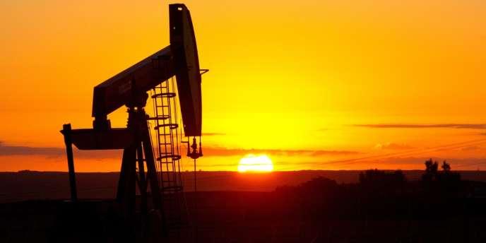Un puits de pétrole dans le Dakota du Nord.