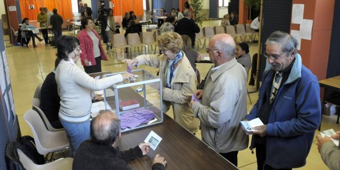 Le canton de Brignoles, dans le Var, vote dimanche 13 octobre pour départager l'UMP et le FN, qui eétait arrivé avec vingt points d'avance au premier tour, la semaine dernière.