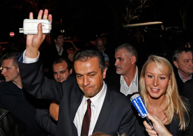 Laurent Lopez, vainqueur aux élections cantonales de Brignoles (Var), aux côtés de la député FN du Vaucluse Marion Maréchal-Le Pen, le 13 octobre 2013.  Il compte transformer son premier essai électoral et remporter la mairie.