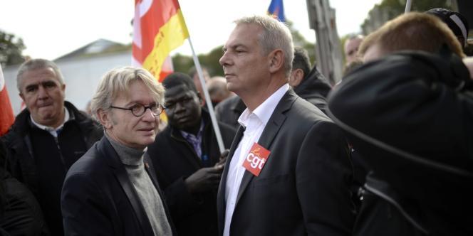 Jean-Claude Mailly, leader de FO, et Thierry Lepaon, numéro un de la CGT, dans le cortège contre la réforme des retraites mardi 15 octobre.
