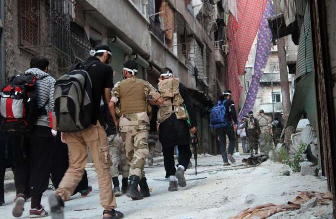 Des rebelles à Alep, le 23 septembre.