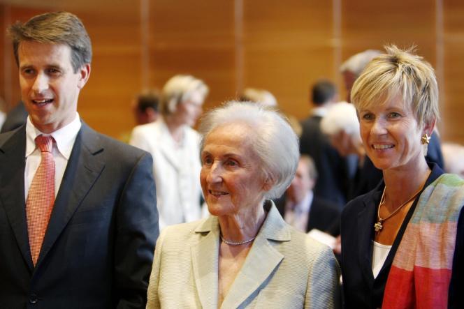 Stefan Quandt, sa mère Johanna et sa soeur Susanne sont actionnaires du constructeur automobile BMW.