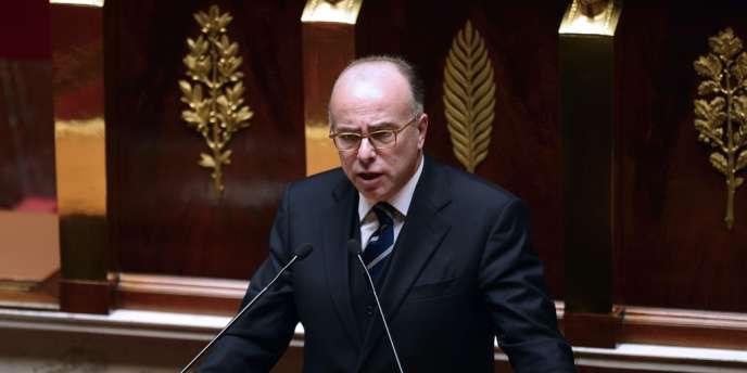 Bernard Cazeneuve, ministre délégué chargé du budget, à la tribune de l'Assemblée nationale, en octobre.