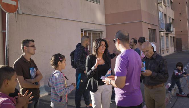 Samia Ghali, en campagne dans le 10e arrondissement de Marseille, le 16 octobre