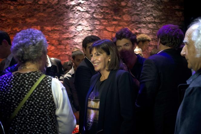 La candidate socialiste à la mairie de Paris, Anne Hidalgo, au Café de la danse, mercredi 16 octobre.
