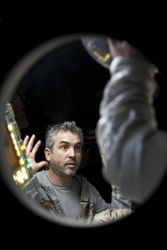 Le réalisateur mexicain Alfonso Cuaron sur le tournage de son film