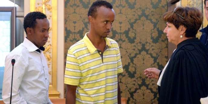 Mahamoud Abdi Mohamed et Abdelkader Osmane Ali, deux des pirates somaliens jugés devant la cour d'assises d'Ille-et-Vilaine, le 14 octobre, pour la prise d'otages de l'équipage du