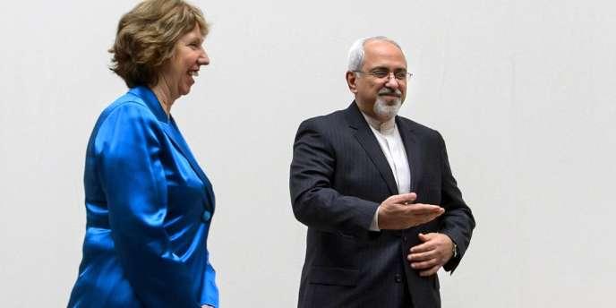 Catherine Asthon, représentante de l'Union pour les affaires étrangères et la sécurité et Mohammad Javad Zarif, ministre iranien des affaires étrangères lors des négociations à Genève à propos du nucléaire iranien, en avril 2013.
