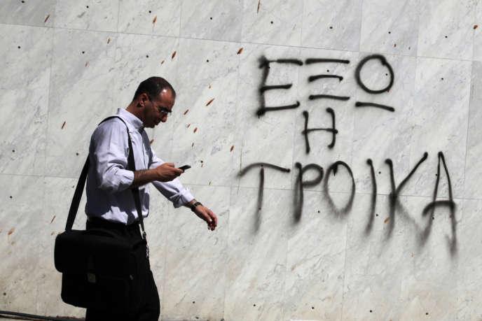 Au bord de la faillite en raison de l'exposition de ses banques à la dette grecque, Chypre a dû adopter une série de mesures draconiennes en contrepartie d'un prêt international octroyé au printemps.