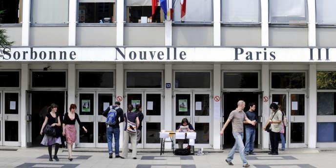 Les organisations étudiantes, UNEF et FAGE en tête, le constatent depuis la rentrée universitaire : les campus sont de plus en plus souvent la cible d'actions d'intimidation de groupuscules d'extrême droite.