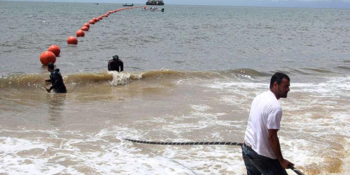 Un câble sous-marin de télécommunications mis en place en 2011 à Libreville au Gabon entre l'Afrique et l'Europe.