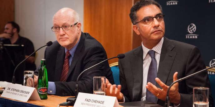 A droite, Fadi Chehadé, le président de l'Icann, l'institution qui gère les ressources d'Internet, dont le contrôle par les Etats-Unis est perçu comme problématique.