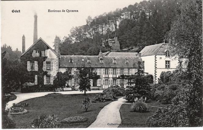 Une vue ancienne de la propriété familiale des Bolloré.