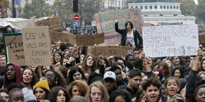 Manifestation de lycéens à Paris vendredi 18 octobre.