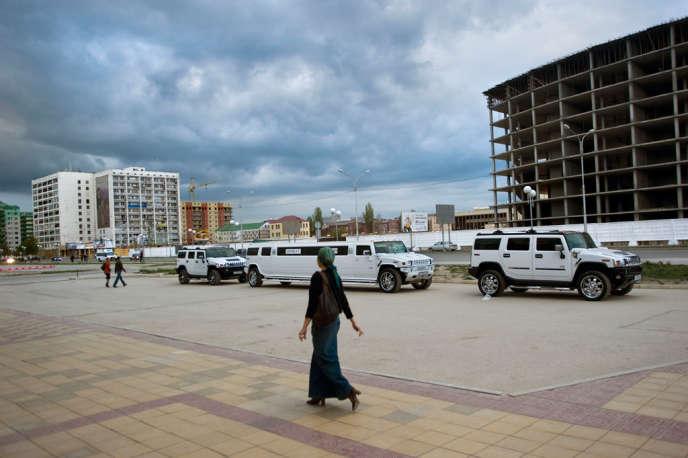 Limousines dans le centre de Grozny, en 2009.