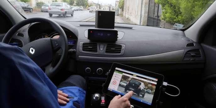 Les radars nouvelle génération permettent de contrôler la vitesse des véhicules qui arrivent en sens inverse de la circulation.