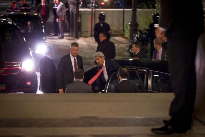 Le secrétaire d'Etat américain John Kerry à son arrivée au Quai d'Orsay, mardi 22 octobre.