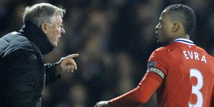 L'ex-entraîneur de Manchester United Alex Ferguson et son successeur David Moyes ont tout deux pris la defense de Patrice Evra.