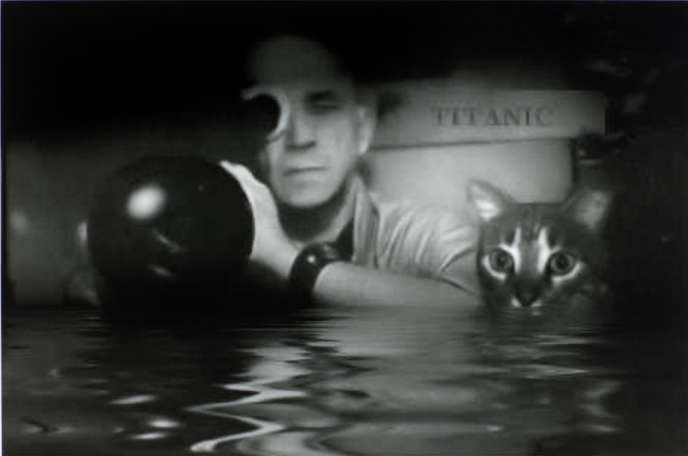 Chris Marker et son chat Guille-en-Egypte, photo prise par Wim Wenders sur le tournage d'