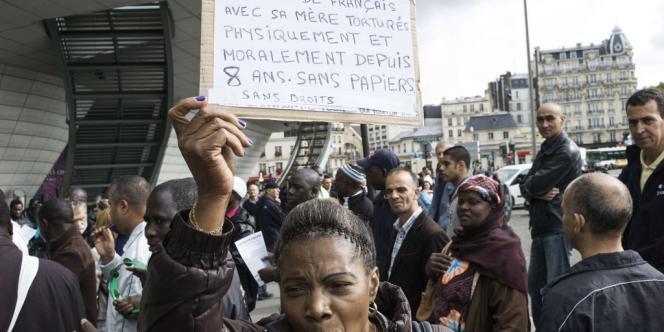 Manifestation de sans-papiers à Paris, le 5 octobre.