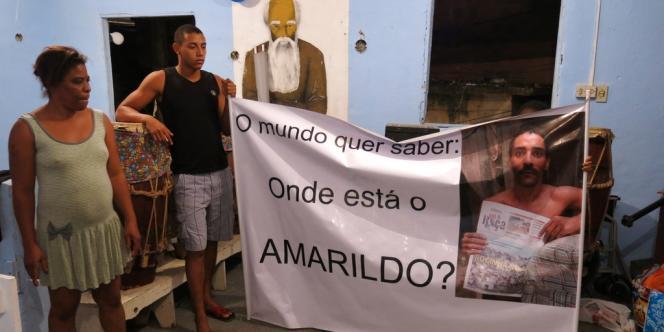 La sœur et le fils d'Amarildo de Souza, le 1er octobre.