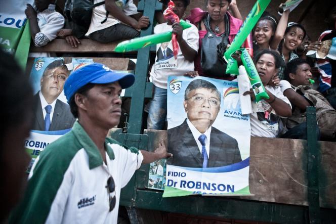 Des partisans de Jean-Louis Robinson, le 25 octobre à Antananarivo.