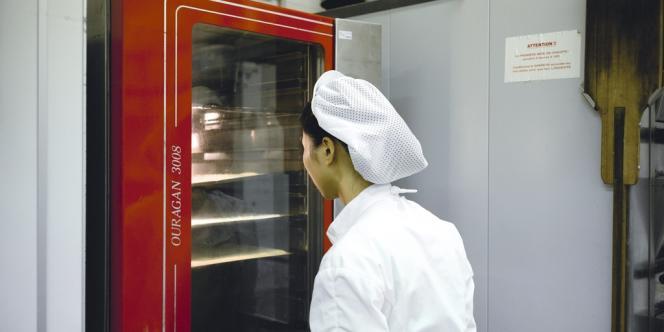 Près de 80 % des 200 étudiants  étrangers de la section internationale viennent d'Asie (ici, au laboratoire de pâtisserie).