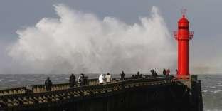 Associé à la tempête David, le passage pluvieux a quitté les Hauts-de-France, mais le vent s'est un peu renforcé avec dans la nuit des rafales voisines de 90 km/h dans l'intérieur du Pas-de-Calais (97 km/h à Radinghem, 91 km/h à Lillers) et jusqu'à 105 km/h à Boulogne et 122 km/h à Griz-Nez, sur le littoral du Pas-de-Calais.