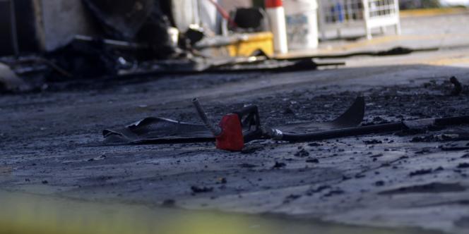 A Morelia, la capitale régionale du Michoacan, une station essence a été attaquée dimanche matin à coups de cocktails Molotov.