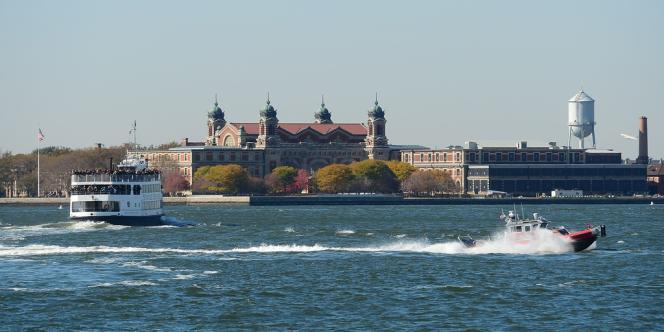 L'ancien centre d'immigration d'Ellis Island, par lesquels ont transité 12 millions de personnes, arrivant par bateau aux Etats-Unis entre 1892 et 1954.