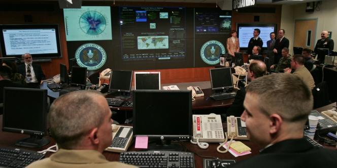 La cellule TAO est apparue en 1997 et est constituée de hackers hautement qualifiés qui peuvent « accéder à l'inaccessible », selon la description faite par la NSA dans des documents internes.