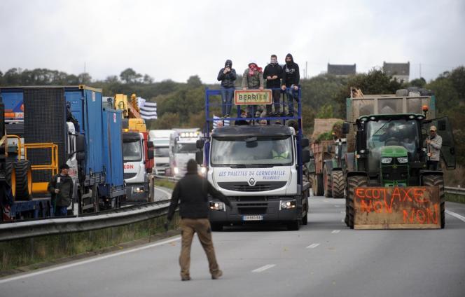 Manifestation contre l'écotaxe samedi 26 octobre à Pont-de-Buis (Finistère).