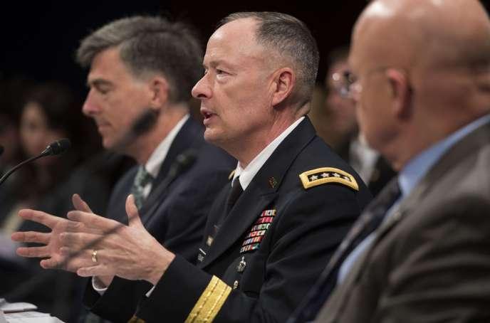 Le général Keith Alexander, le patron de l'Agence nationale de sécurité américaine, mardi 29 octobre,  à Washington.