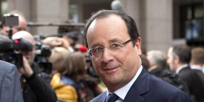 François Hollande (ici le 25 octobre) aurait signé en 2010 une pétition pour qu'une droguerie parisienne près de chez lui puisse ouvrir le dimanche.