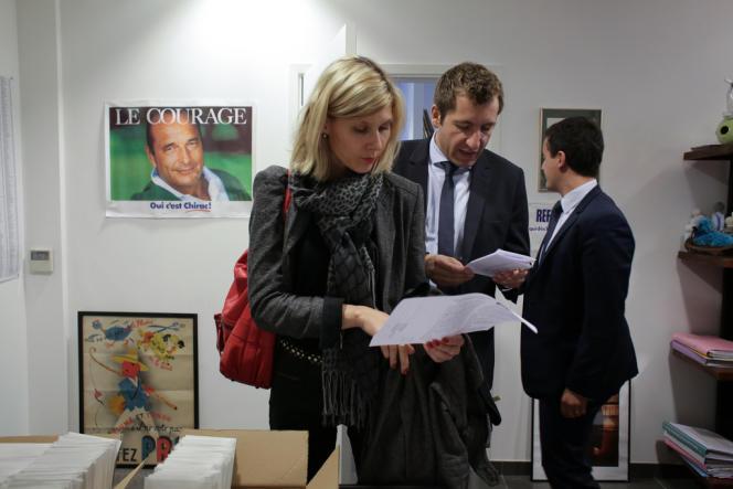 Virginie Duby-Muller, Alain Chrétien et Gérald Darmanin, dans la permanence de ce dernier, député de Nord, le 30 octobre, à Tourcoing.